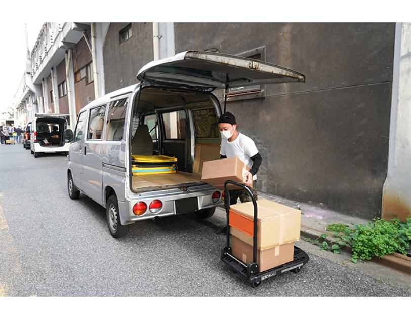 Amazonがセカンドストリート・ジャパンと協働し、コロナ禍の、フードバンク宅配業務をサポート Amazon Flexのネットワークを活かしてつなぐ支援の輪