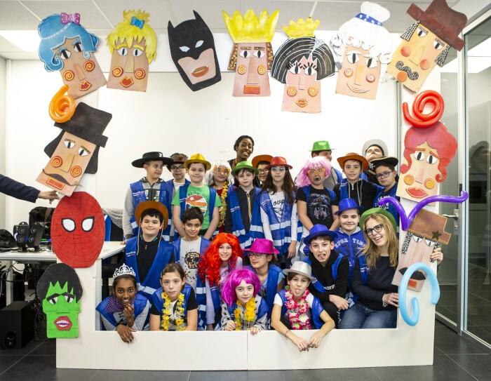 Photobooth di Carnevale per i bambini in visita presso il centro di distribuzione di Castel San Giovanni