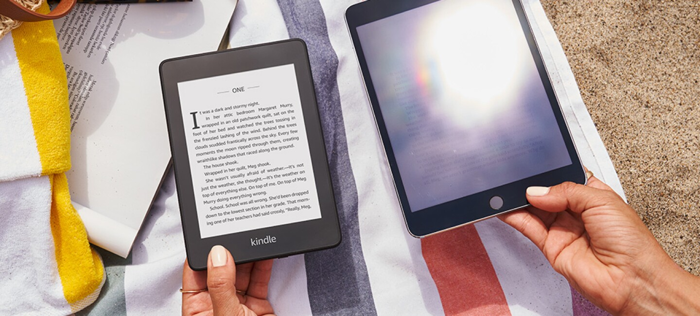 The Kindle Paperwhite doesn't reflect sun glare.