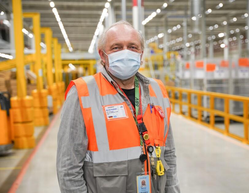 Amazon Werne_Bernd Kollmer_Gehörlose Mitarbeiter bei Amazon