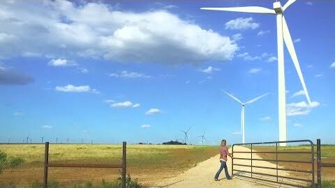 A Texas oil town learns to love the wind