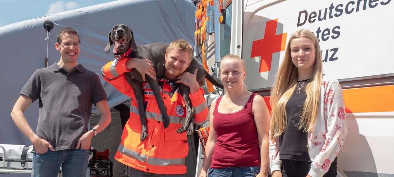 Robert Reiter mit Rettungshündin Mali