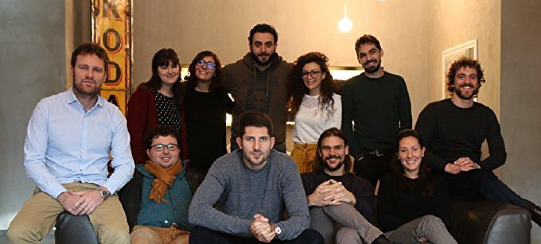 Undici ragazzi e ragazze della bottega online LorenzoVinci.
