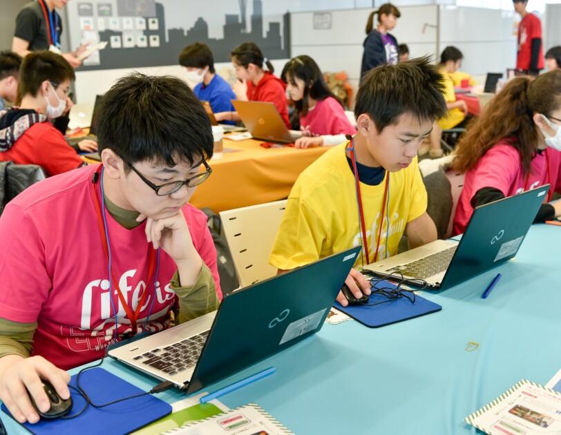 学ぶ楽しさを知るプログラミングキャンプ