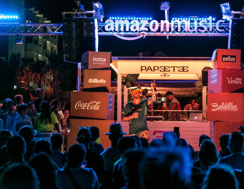 Amazon Prime Day Concert - Papeete Beach - Crowd and stage