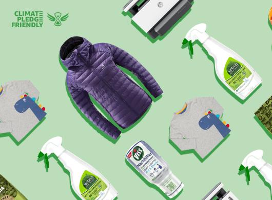 Produkte, die das Climate Pledge Friendly Logo tragen.