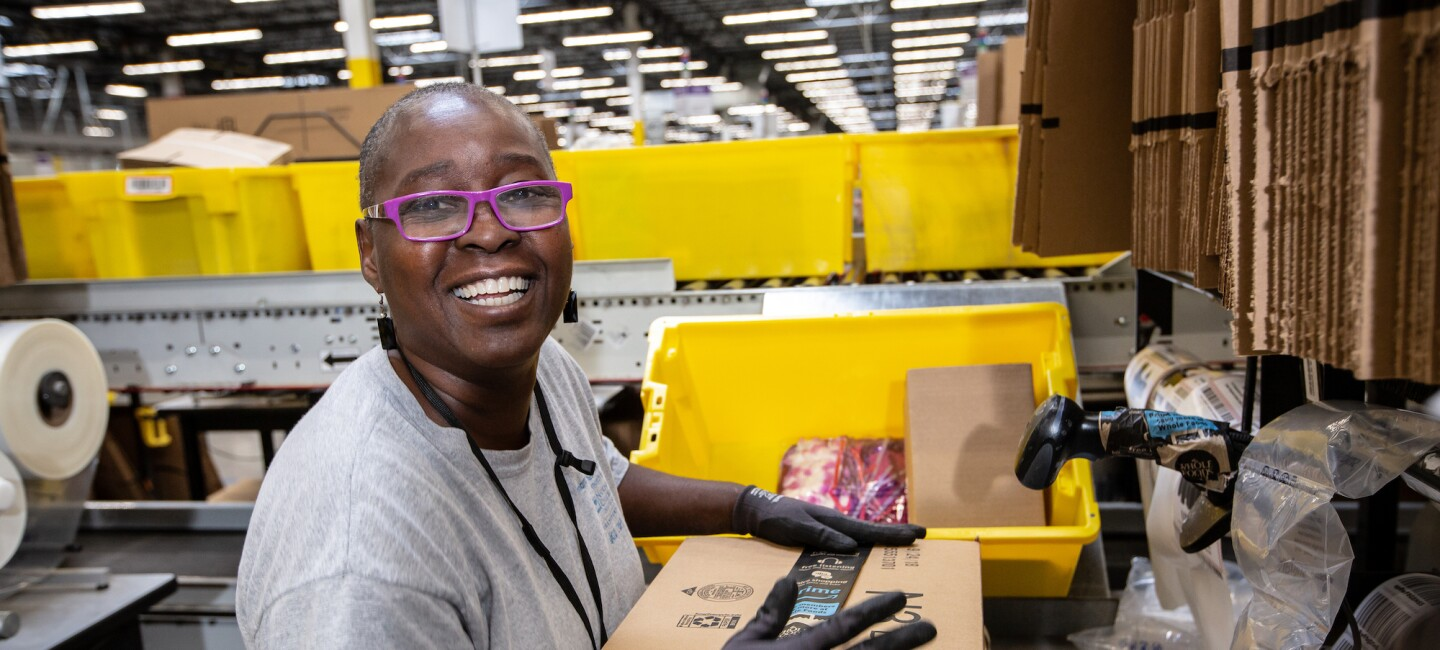 Amazon fulfilment center employee