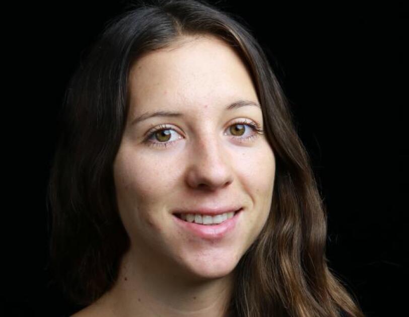 Porträtfoto einer Amazon Mitarbeiterin