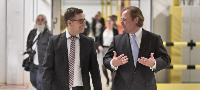Lars Krause + Finanzminister Lutz Linienkämper_Tag der Logistik_Amazon.jpg