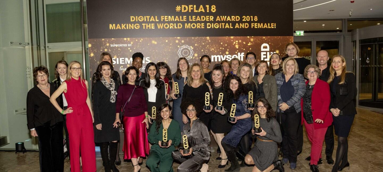 Group Shot Digital Female Leader Award