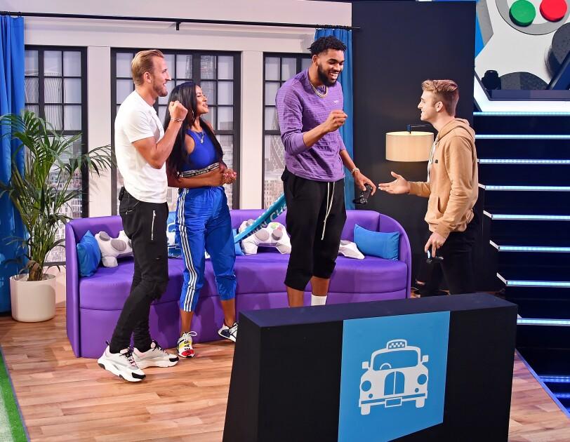 Harry Kane, Maya Jama, Karl-Anthony Towns und BuckArmy beim Twitch Prime Crown Cup