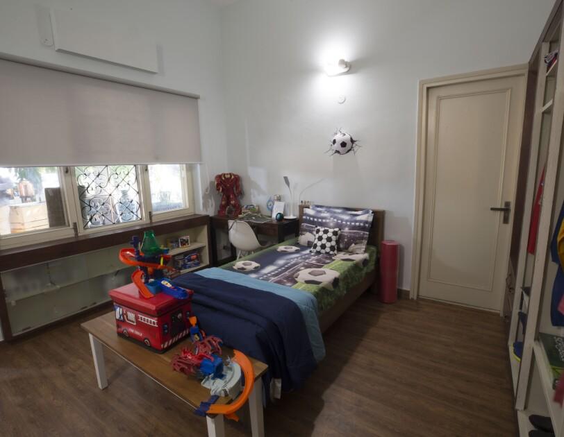 Boys room festive home