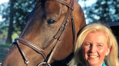 Anette Haverkamp-Peiß mit ihrem Pferd.