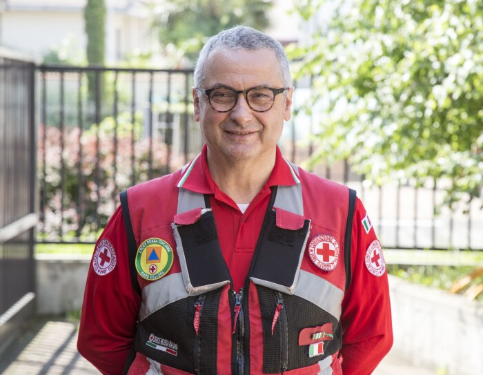 Antonio Tagliente, volontario di Croce Rossa Italiana, in divisa