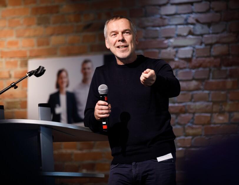 Norbert Kunz, Social Impact Geschäftsführer, bei der digital.engagiert Preisverleihung.