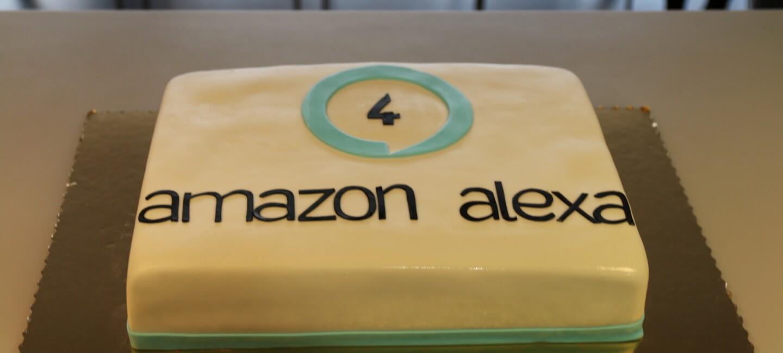 """Ciasto z napisem """"Amazon Alexa"""""""