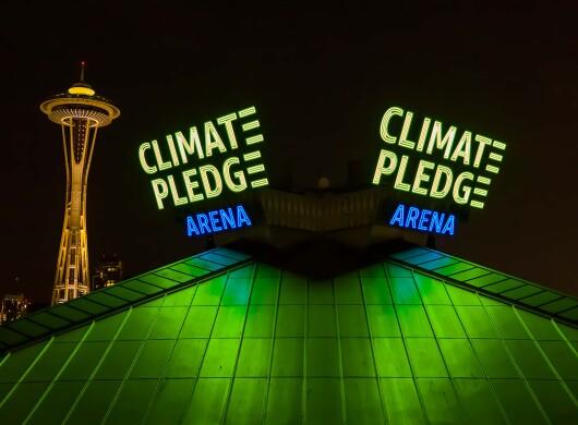 dpdrones-climate-pledge-arena-sunset-night-01.jpg