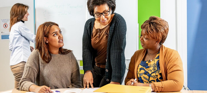 """Der Verein """"Initiative Selbstständiger Immigrantinnen"""" ISI e.V. begleitet Frauen mit Migrationshintergrund auf dem Weg in die Selbstständigkeit."""