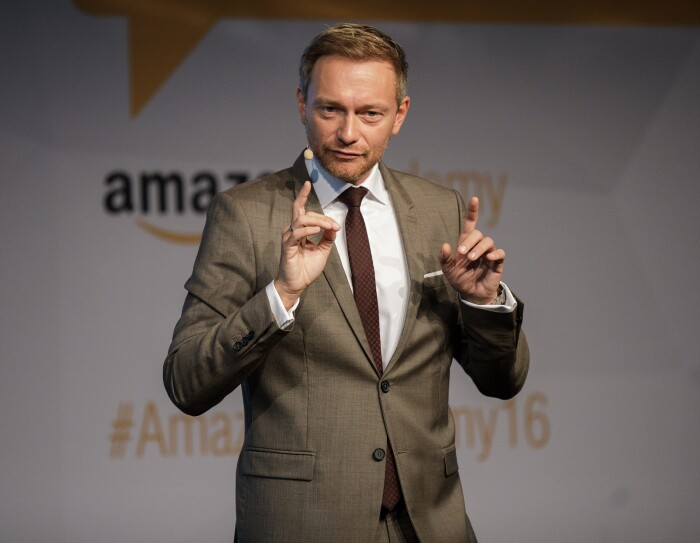 Christian Lindner bei der Amazon Academy 2016 in Berlin im Café Moskau.