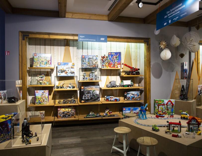 DirkMathesius__Amazon_HomeofChristmas_weihnachtliches Spielzimmer mit Lego