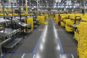 Amazon mette al centro salute e sicurezza mentre continua a consegnare ai clienti
