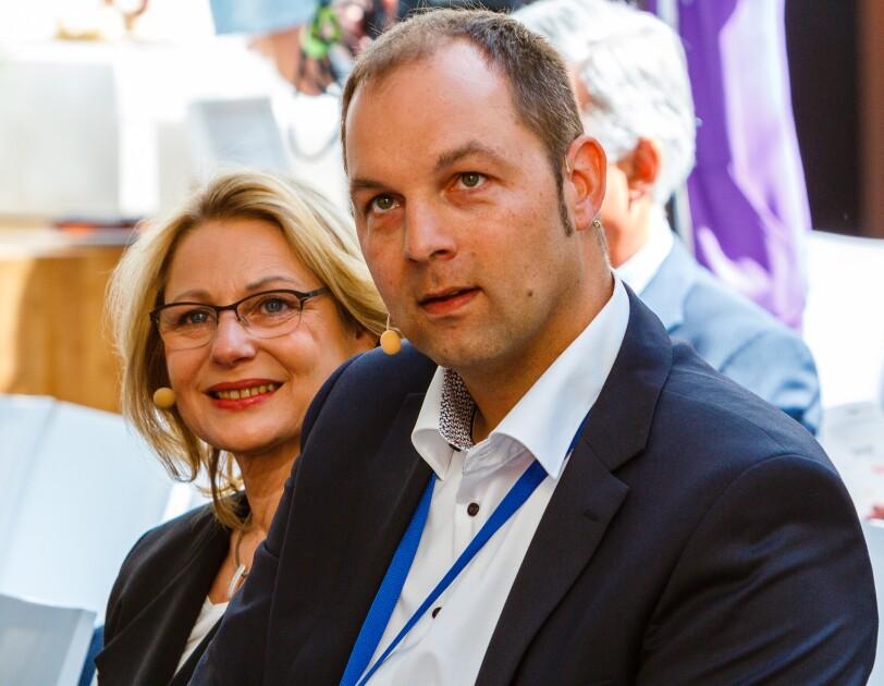 Cornelia Yzer und Dr. Ralf Herbrich