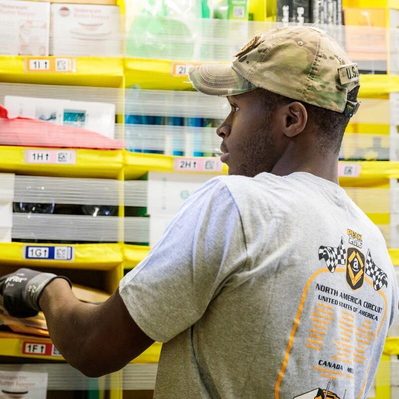 2bda64c98 Amazon Raises Minimum Wage to  15 for All U.S. Employees