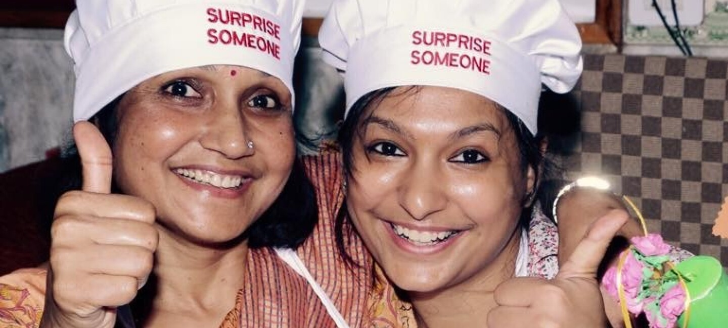 Surprise Someone mother-daughter duo
