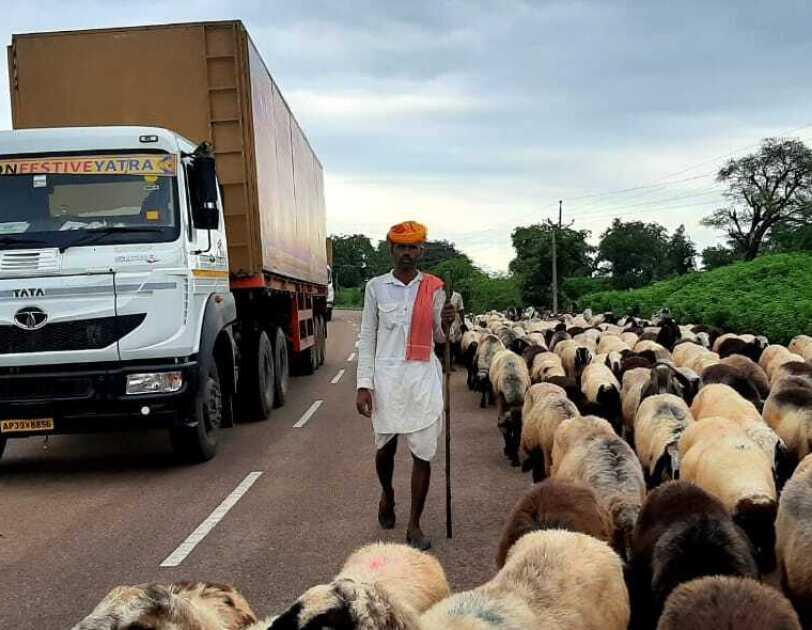 Festiev Yatra villagers on the way