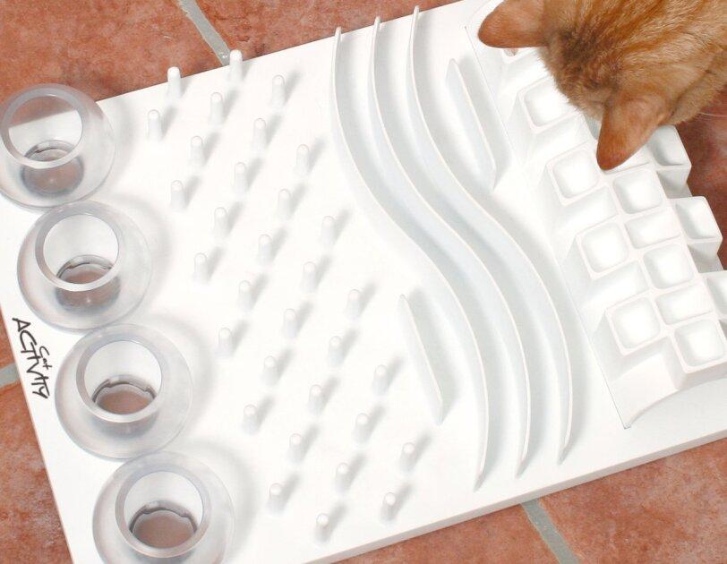 Haustierprodukte um die Wohnung sicher zu machen und das Haustier zu beschäftigen.