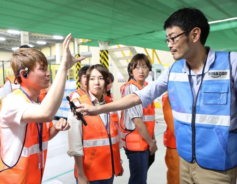 大学生10名をAmazonの目黒本社と川崎FCに招待